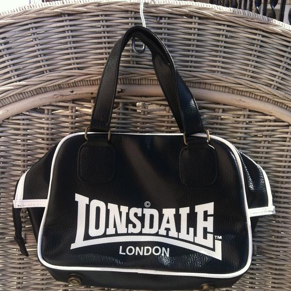 83957d2a1d81 Lonsdale London Handbags - Lonsdale London purse black and white
