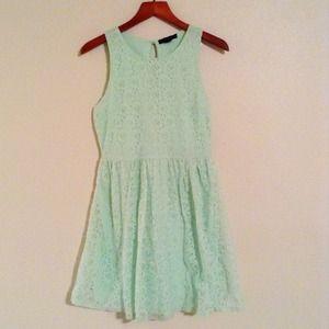 NWT sleeveless mint green lace dress
