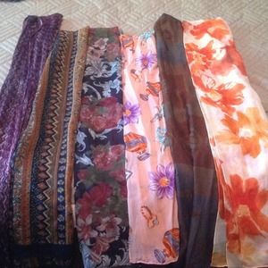 Bundle of scarves!!