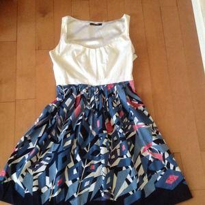 Beautiful Tahari Print Dress
