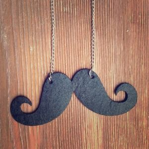 Jewelry - ⬇️ Moustache Necklace