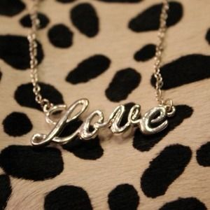 Jewelry - 'LOVE' necklace