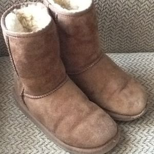 REDUCED! UGG AUSTRALIA GIRLS SHEARLING BOOTS sz 2