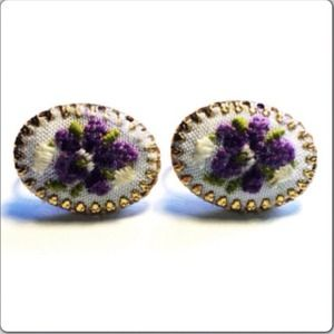 Vintage Cameo Clip On Earrings Purple Flower