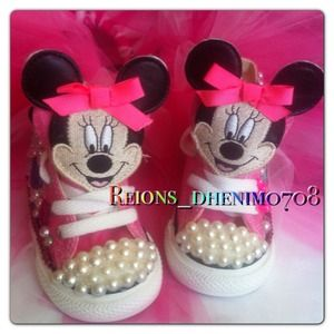 Minni mouse custom converse