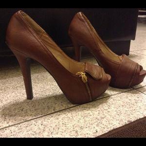 Shoes - Brown peep toe pumps