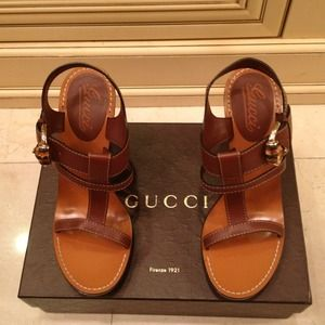 🍭HOST PICK🍭Gucci Brown Leather Sandals 9.5 NWT