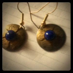 Vintage earrings w blue stone