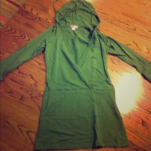 Green pullover sweater. NWOT.