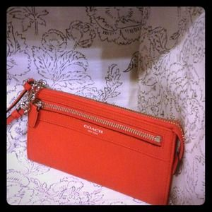 Lowest New Red Coach Legacy Zippy Wallet