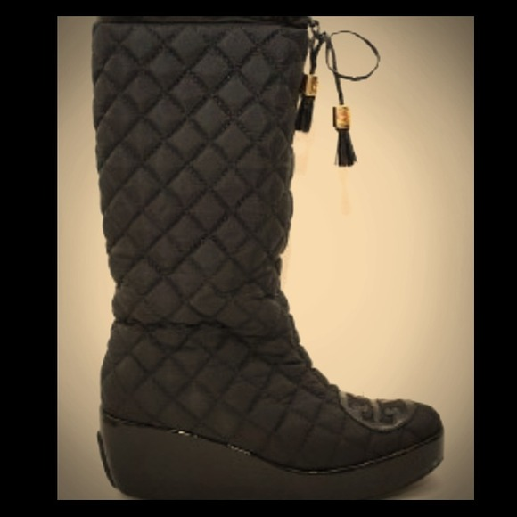 85% off Tory Burch Boots - Tory Burch Gigi 2 Quilted Boots from ... : tory burch quilted boots - Adamdwight.com