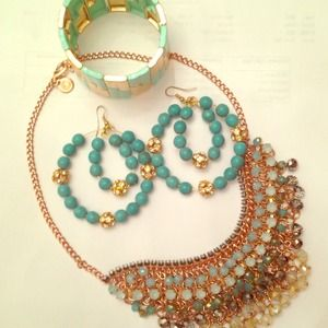 Jewelry - 🎉HOST PICK🎉 Turquoise statement earrings