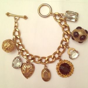 Jewelry - Golden chain charm bracelet