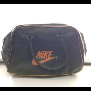 NIKE sports duffel bag in olive green