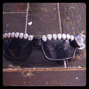 Black Square Frame Silver Beads Rose Sunglasses