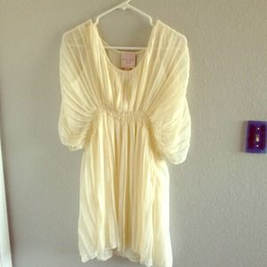 Romeo and Juliet Couture beige dress