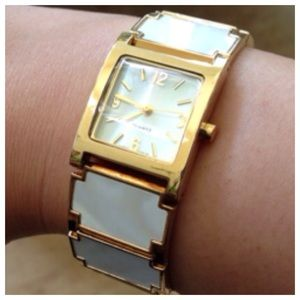 🎉HOST PICK🎉Mother of Pearl Watch
