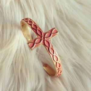 Jewelry - Cross enamel cuff - pink + hoodie (small)
