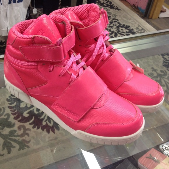 722ae2b79ff3d NEW HOT PINK! Reebok high tops🎀reduced!