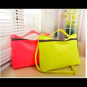 Handbags - 💙HOST PICK💙Neon color messenger bag