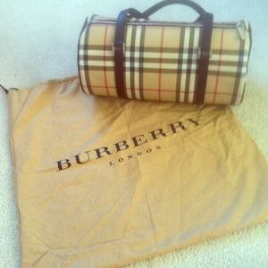 Burberry Handbags - Authentic Burberry Barrel Purse