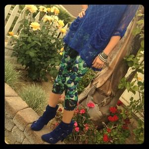 Betsey Johnson Pants - 💥Host Pick New Betsey Johnson Crop Pants