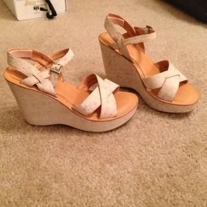 Lowered ✨Kork-Ease Bette Wedges