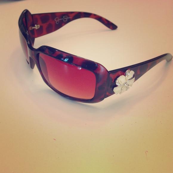 e16d4067ec8 Jessica Simpson Accessories - PRICE CUT! Jessica Simpson Sunglasses Tortoise