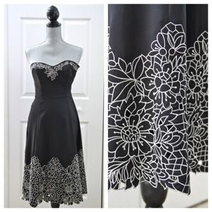 White House Black Market Dresses & Skirts - Reduced! WHBM strapless floral dress