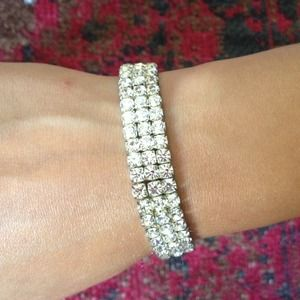 Jewelry - Diamond band jeweled sparkle bracelet white CBZ