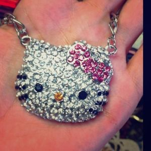 Glam Hello Kitty neacklace
