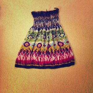 Dresses & Skirts - Cute tribal strapless dress!