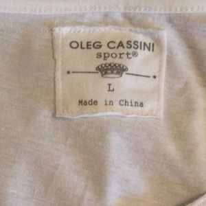 Oleg Cassini Tops - 🌟Reduced🌟White Short sleeved summer top.