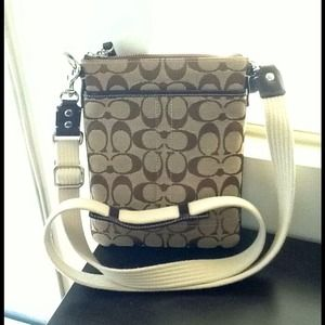 Authentic COACH Swingpack Brown