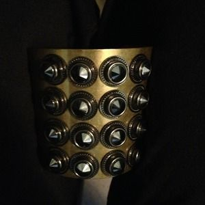 Accessories - Spiked bracelet