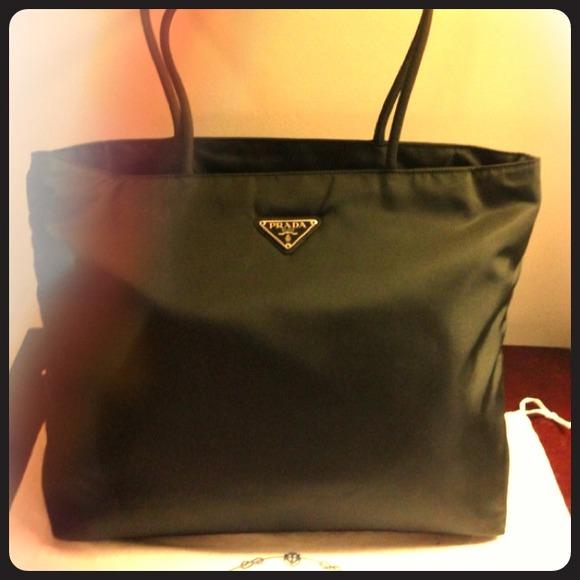 Для самых модных сумка Celine Luggage Phantom Square Bag