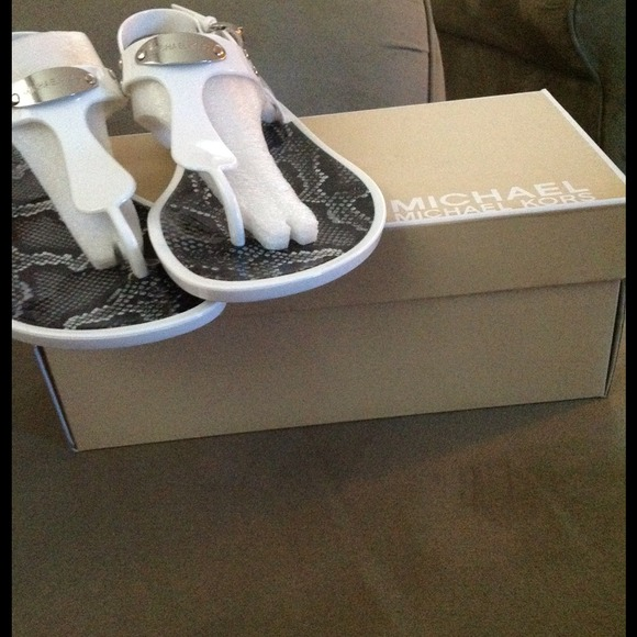 MICHAEL Michael Kors Shoes - ❤❤❤Flash sale-M.Kors T-Strap Jelly Sandals. White 3