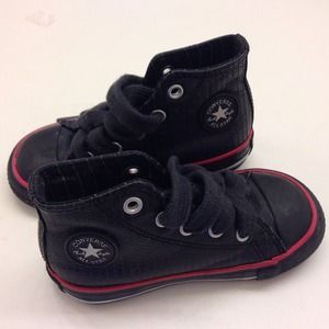 Converse Shoes - Pinstriped Black Converse toddler size 6