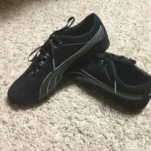 Black Pumas - worn once - no signs of wear -