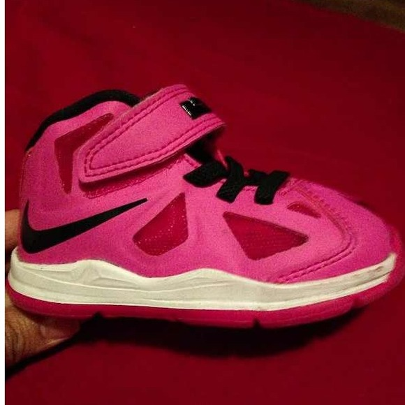 Infant shoes size 5 Lebron James