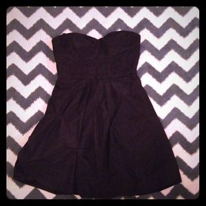 BCBGMaxAzria Dresses & Skirts - Black BCBG sweetheart cocktail dress