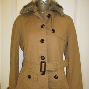 Gap  jacket w/ removeable liner and fur collar