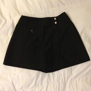 I.N. San Francisco Dresses & Skirts - Black skort skirt