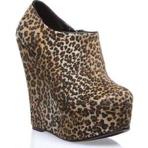 ShoeDazzle Leopard Print Booties