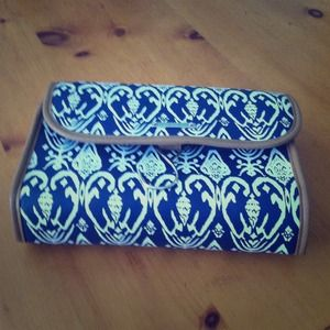 Accessories - Stella and dot navy blue ikat printed travel case