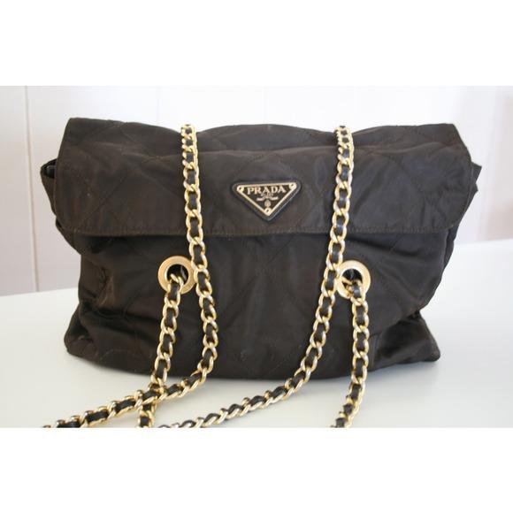 bdeb33d4b1 Authentic Vintage Prada Shoulder Chain Purse. M 51b57170d919094dff01294e