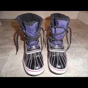 Boots - Skechers Brand,winter boots,  size7.5, almost new!