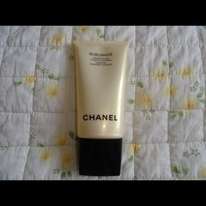 CHANEL Accessories - Channel Sublimage essential comfort cleanser!