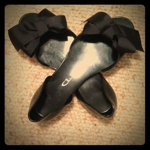 Chinese Laundry black jelly bow sandals.