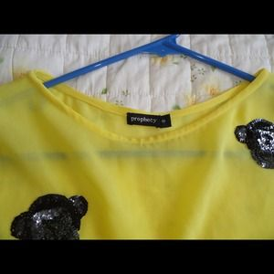 Tops - Top quality tee from Europe! Small size! New!